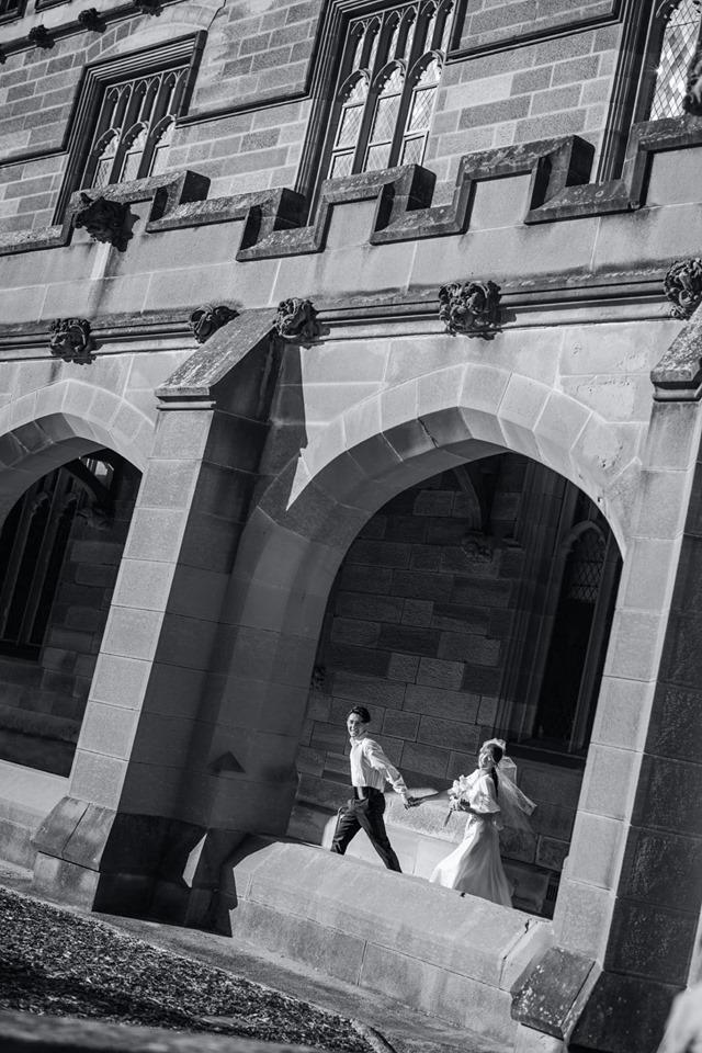 Đông Nhi hôn Ông Cao Thắng nồng cháy trong bộ ảnh cưới đẹp như mơ tại Sydney-6