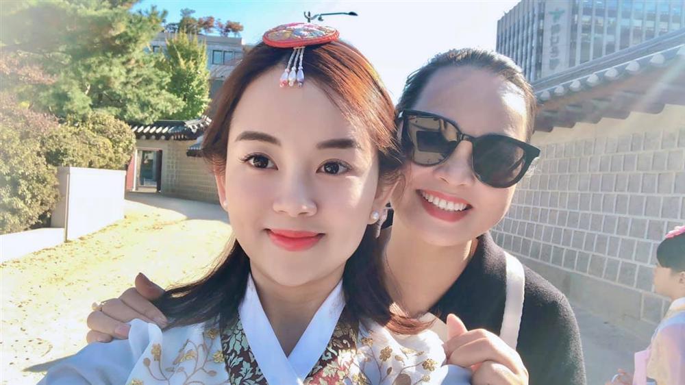 Khoe ảnh cả nhà sang Hàn Quốc thăm em gái nhưng ngoại hình của bố mẹ Ly Kute làm ai cũng bất ngờ-7