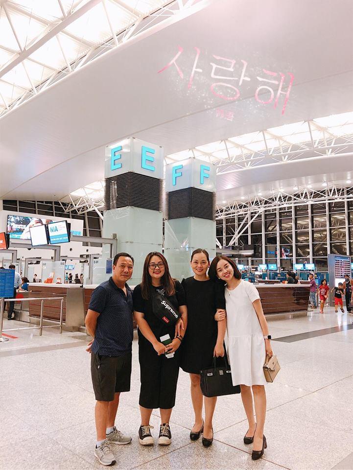 Khoe ảnh cả nhà sang Hàn Quốc thăm em gái nhưng ngoại hình của bố mẹ Ly Kute làm ai cũng bất ngờ-2