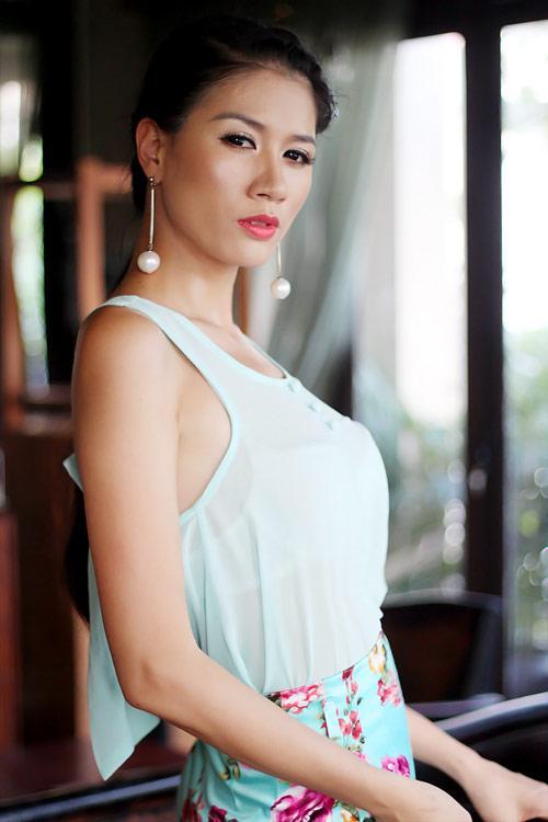 Ngọc Trinh làm thơ con chó đá đểu Tuesday, Trang Trần cổ vũ bênh vực xôn xao cõi mạng-5