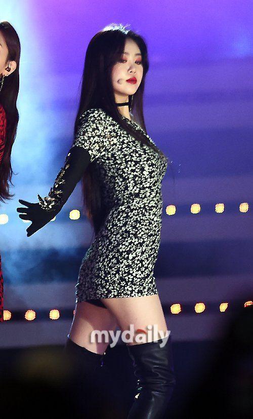 5 biểu tượng sexy Kpop thường mặc đồ hở, bó sát lên sân khấu-2