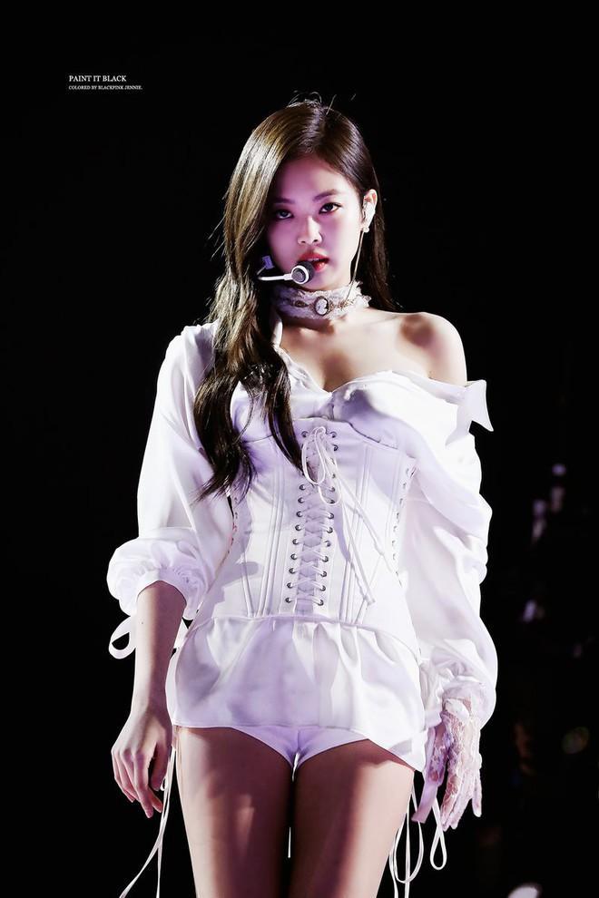 5 biểu tượng sexy Kpop thường mặc đồ hở, bó sát lên sân khấu-7
