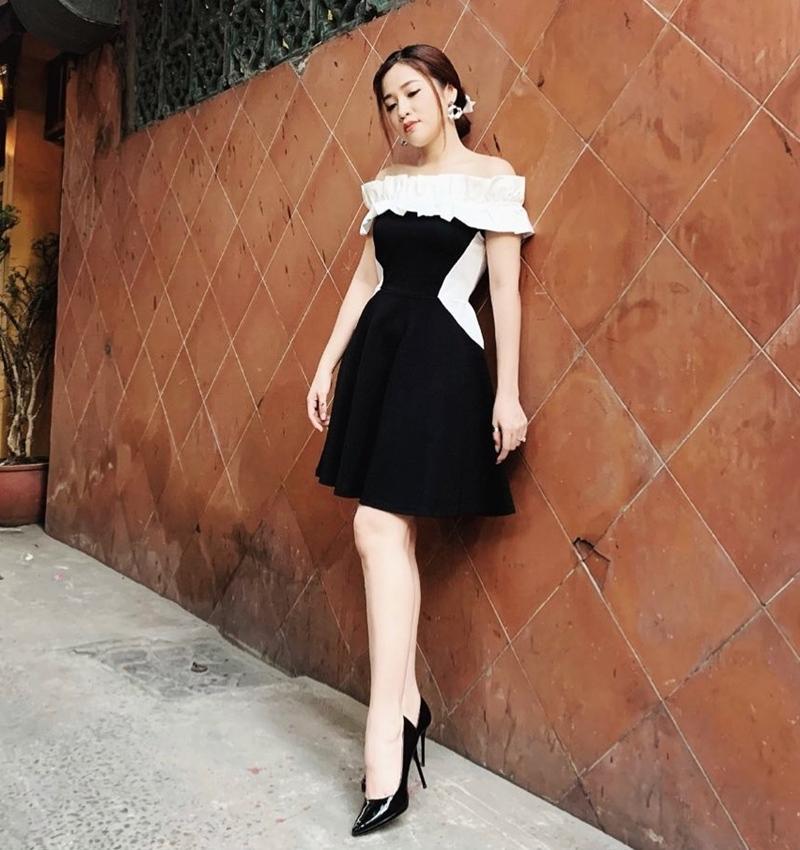 Đào Bá Lộc khoe street style như bán vé số - Linh Ka mặc áo 1 gang khoe eo thon như Ngọc Trinh-8