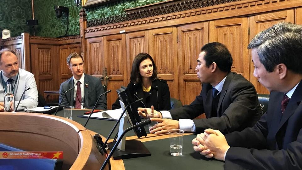 Cấp visa miễn phí cho thân nhân nạn nhân người Việt sang Anh-2