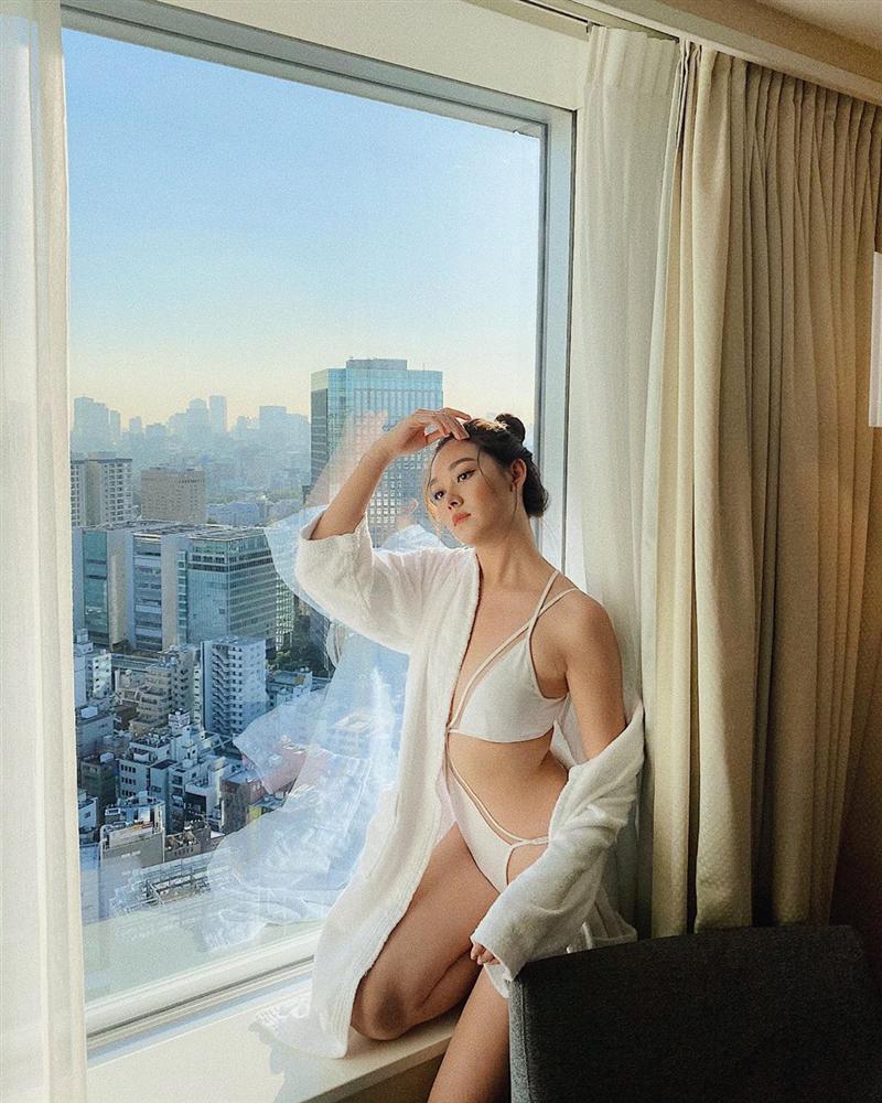 Chưa đến phần thi bikini tại Miss International, á hậu Tường San đã đốt mắt khán giả bằng những bức ảnh gợi cảm-1