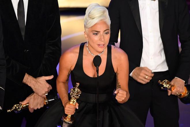 Lady Gaga thú nhận dàn dựng chuyện hẹn hò với Bradley Cooper-3