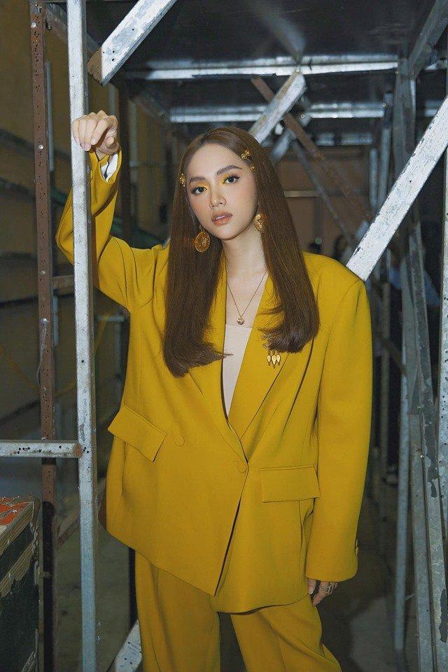 Ai sướng như Nhã Phương - Hương Giang, được chăm sóc như bà hoàng trước khi lên sân khấu-1