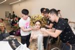 Ai sướng như Nhã Phương - Hương Giang, được chăm sóc như bà hoàng trước khi lên sân khấu