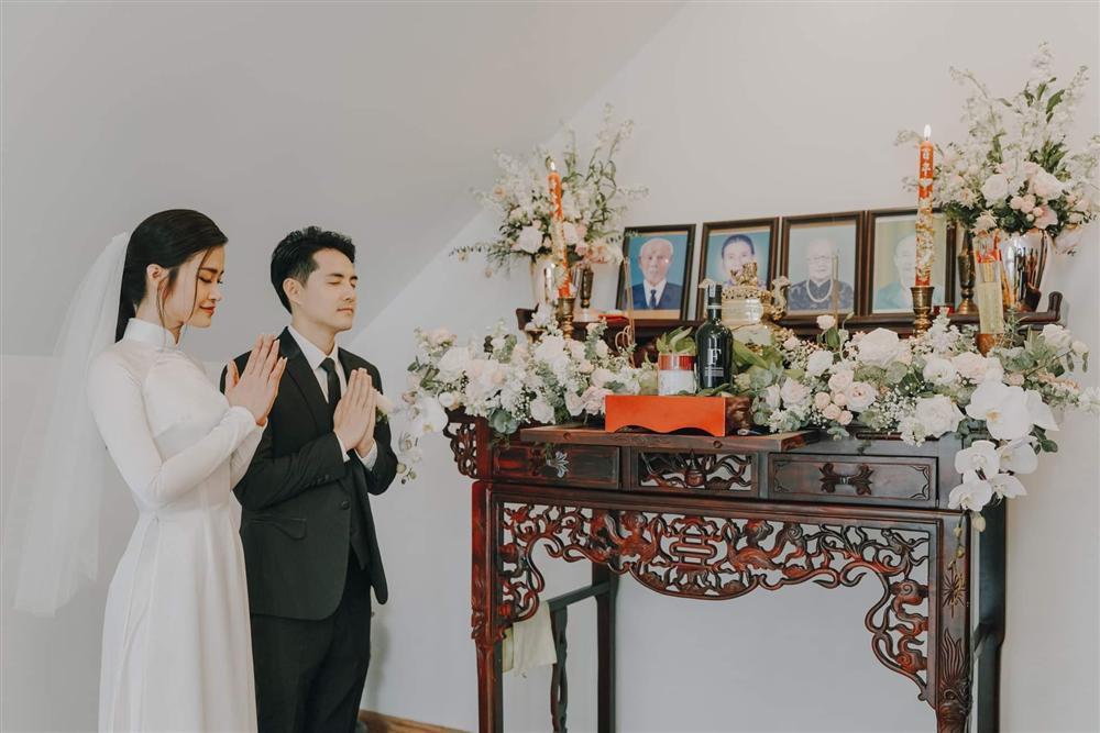 Khoảnh khắc đón chú rể Ông Cao Thắng của Đông Nhi bị cộng đồng mạng chế ảnh cà khịa cực mạnh-8