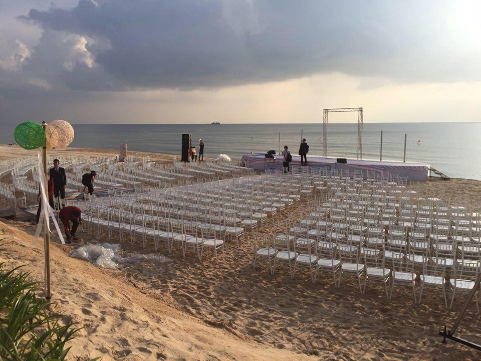 Rò rỉ không gian tiệc cưới đẹp lung linh của Đông Nhi - Ông Cao Thắng tại bãi biển Phú Quốc-1