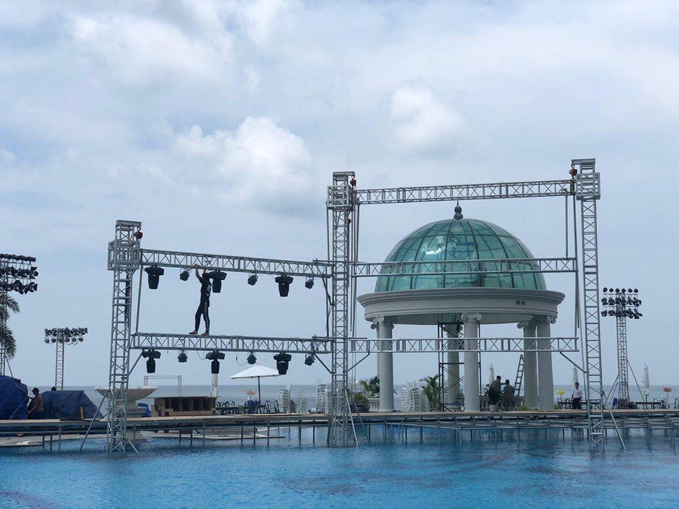 Rò rỉ không gian tiệc cưới đẹp lung linh của Đông Nhi - Ông Cao Thắng tại bãi biển Phú Quốc-3
