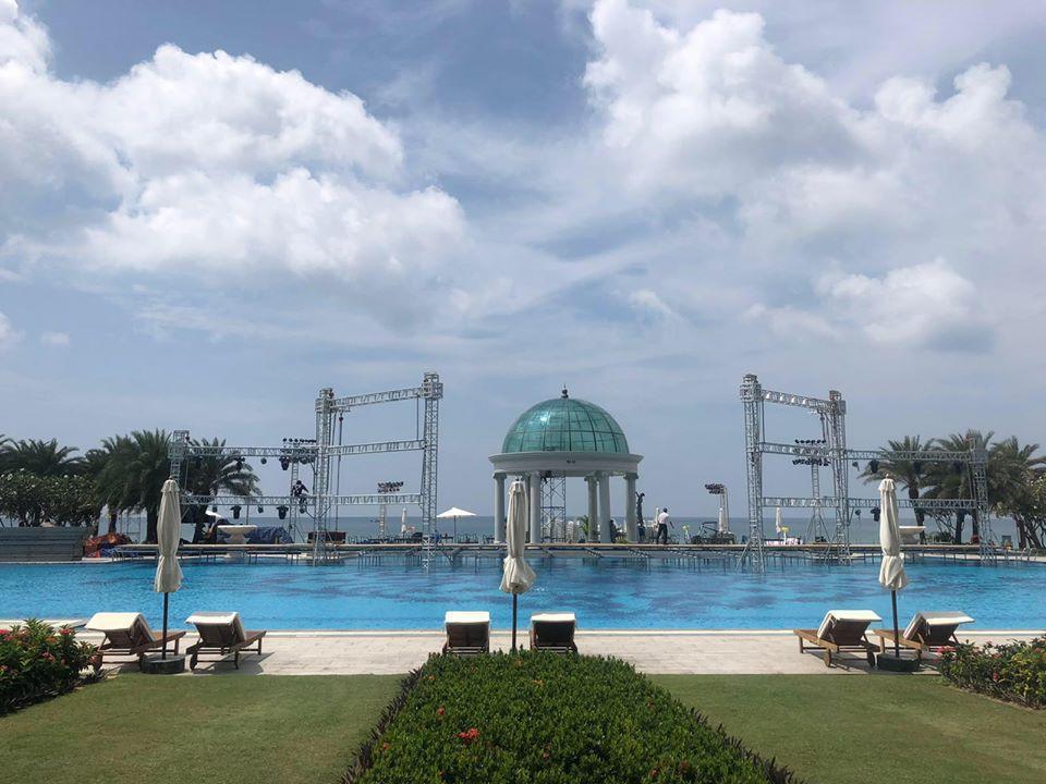 Rò rỉ không gian tiệc cưới đẹp lung linh của Đông Nhi - Ông Cao Thắng tại bãi biển Phú Quốc-4