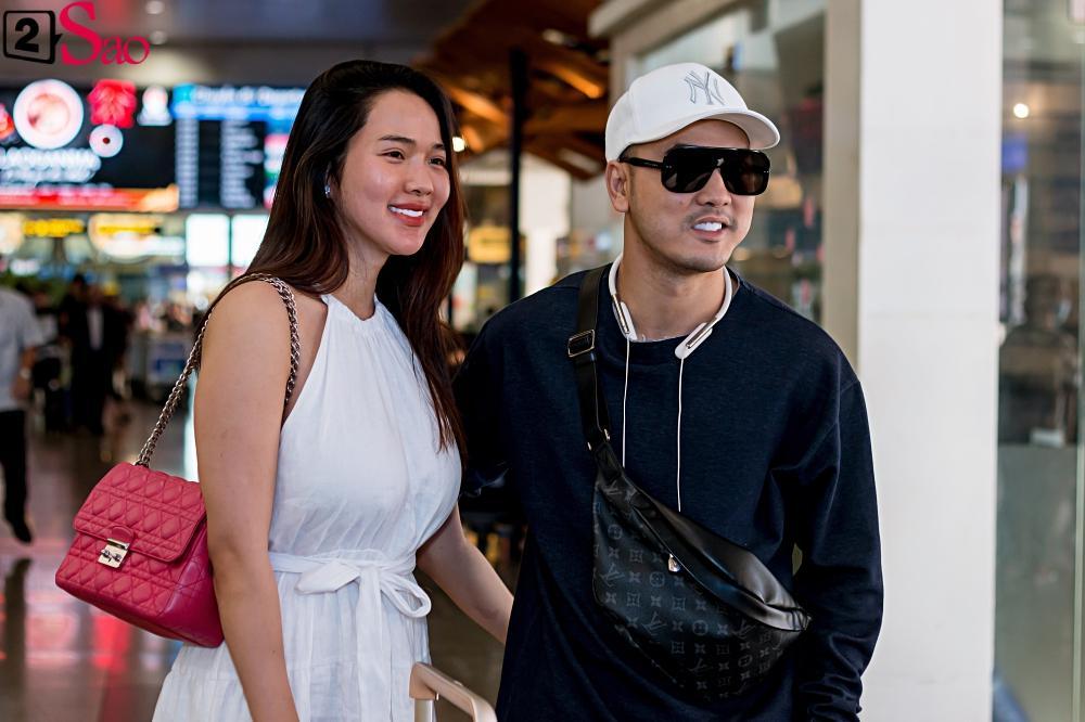 Dàn sao Việt đổ bộ sân bay đi đám cưới Đông Nhi: Diệu Nhi khoe quà, Nhã Phương lẻ bóng-10
