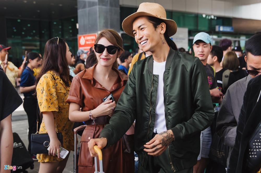 Khổng Tú Quỳnh chạm mặt Ngô Kiến Huy khi tới lễ cưới Đông Nhi-1