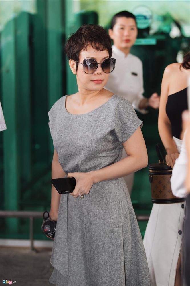 Khổng Tú Quỳnh chạm mặt Ngô Kiến Huy khi tới lễ cưới Đông Nhi-9