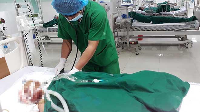 Nổ đầu đạn 9 người bị thương ở Kon Tum: Phút kinh hoàng của người mẹ mò mẫm cứu con trong đống đổ nát-2