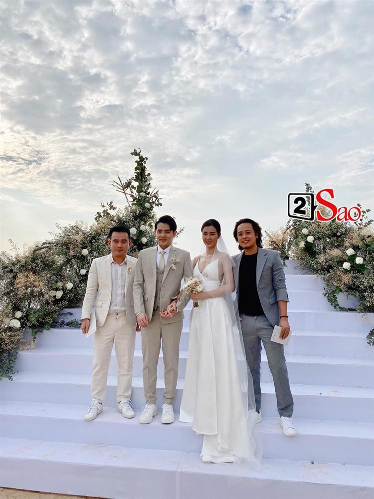 Chiêm ngưỡng toàn bộ 10 váy cưới đẹp xuất sắc biến Đông Nhi thành công chúa cổ tích trong siêu đám cưới-2