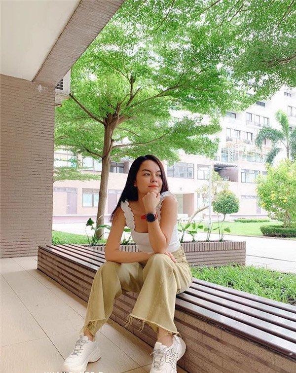 Đi ăn đám cưới Đông Nhi, Phạm Quỳnh Anh và Diệu Nhi diện đồ đôi đầy tình tứ-8