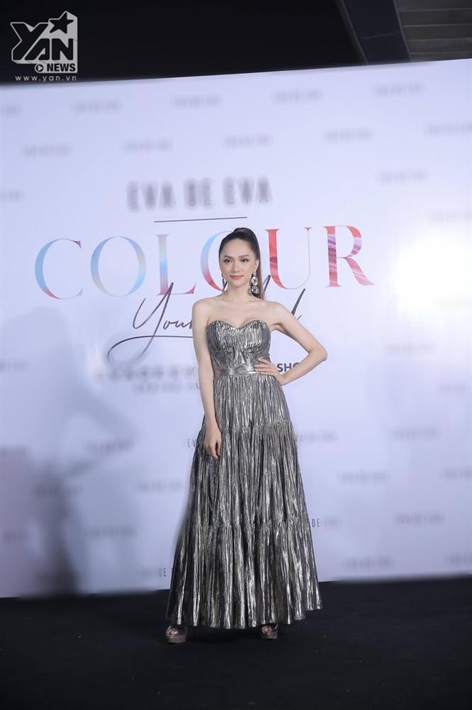 Cô gái vàng trong làng chuyên trị váy ánh kim đích thị là Hoa hậu Hương Giang-4