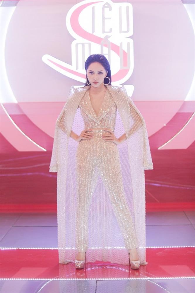 Cô gái vàng trong làng chuyên trị váy ánh kim đích thị là Hoa hậu Hương Giang-12