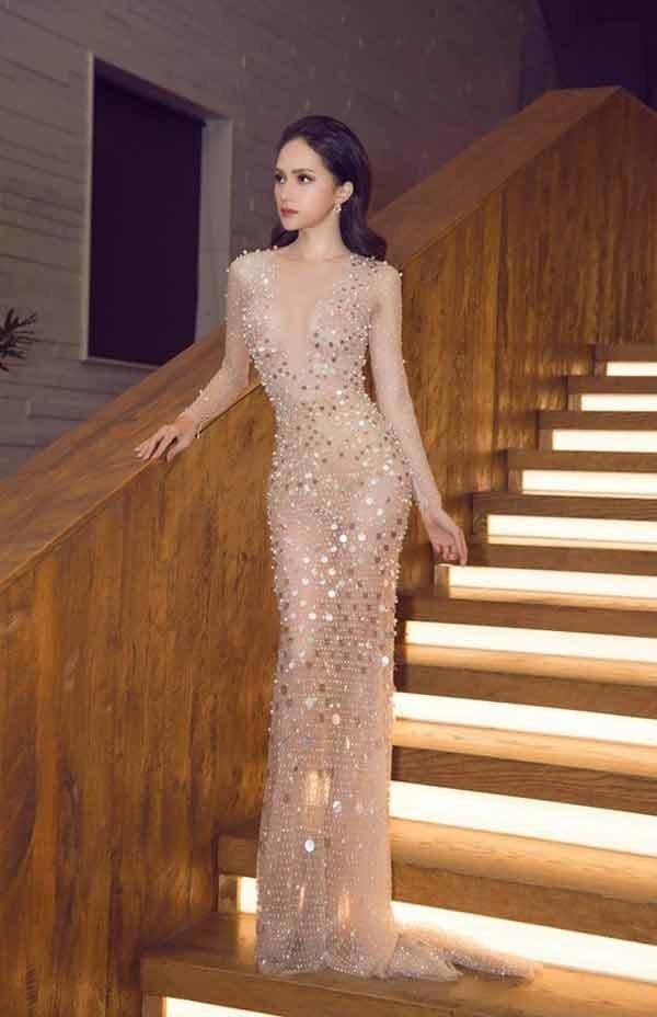 Cô gái vàng trong làng chuyên trị váy ánh kim đích thị là Hoa hậu Hương Giang-13