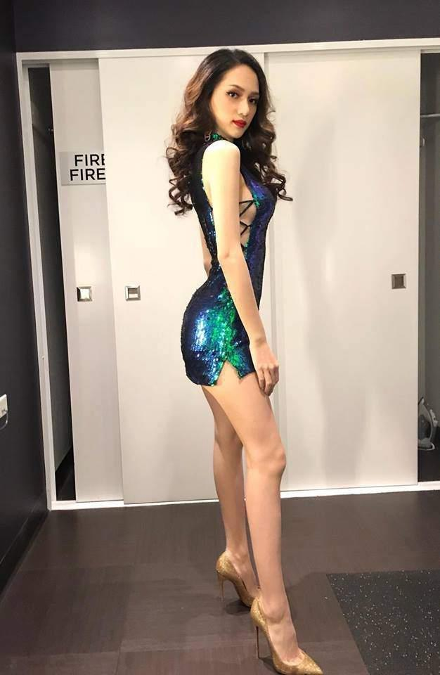 Cô gái vàng trong làng chuyên trị váy ánh kim đích thị là Hoa hậu Hương Giang-16