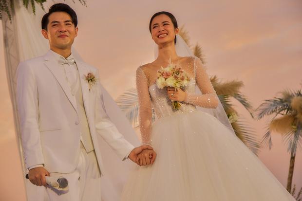 Chiêm ngưỡng toàn bộ 10 váy cưới đẹp xuất sắc biến Đông Nhi thành công chúa cổ tích trong siêu đám cưới-7