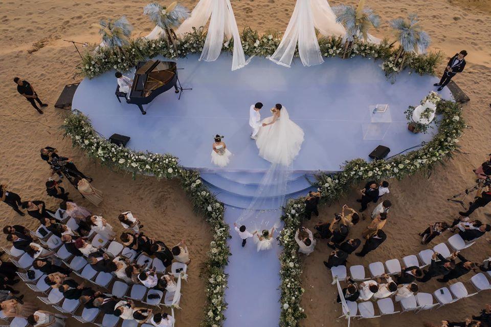 Chiêm ngưỡng toàn bộ 10 váy cưới đẹp xuất sắc biến Đông Nhi thành công chúa cổ tích trong siêu đám cưới-8