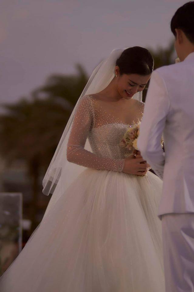 Chiêm ngưỡng toàn bộ 10 váy cưới đẹp xuất sắc biến Đông Nhi thành công chúa cổ tích trong siêu đám cưới-9