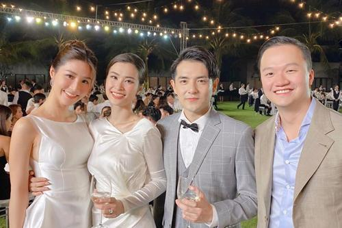 Chuyện chỉ có ở đám cưới Đông Nhi: Vẫn có người lệch dress code, Minh Hằng khâu váy, BB Trần mặc đầm cưới-4
