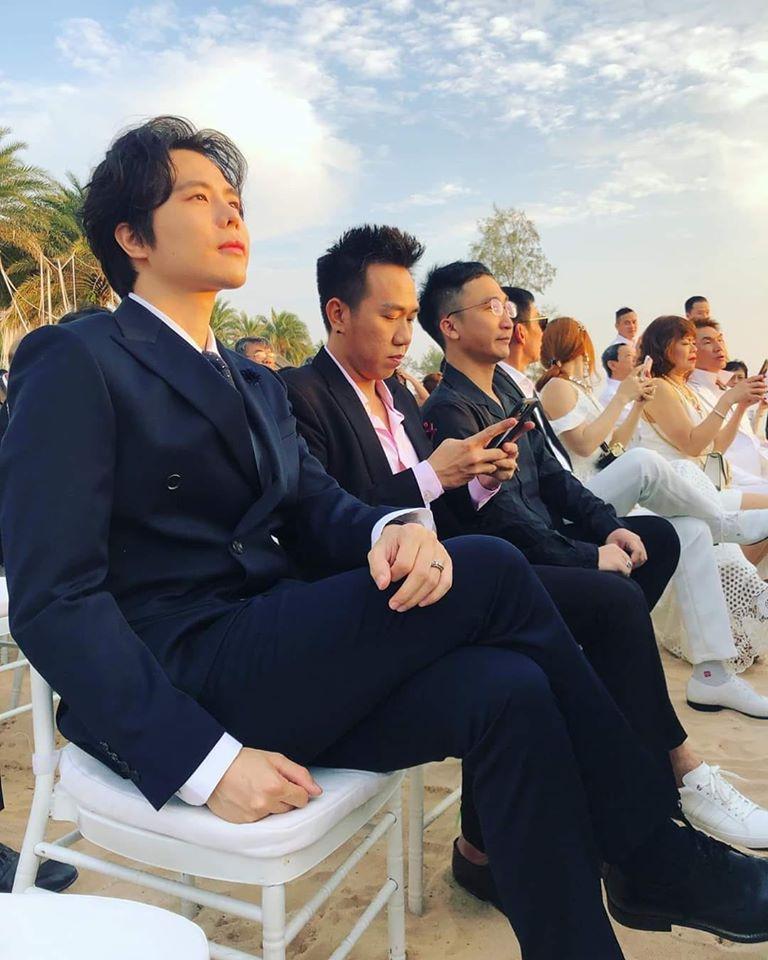 Chuyện chỉ có ở đám cưới Đông Nhi: Vẫn có người lệch dress code, Minh Hằng khâu váy, BB Trần mặc đầm cưới-5