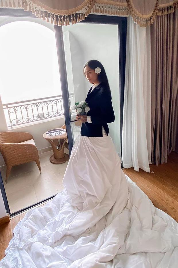 Chuyện chỉ có ở đám cưới Đông Nhi: Vẫn có người lệch dress code, Minh Hằng khâu váy, BB Trần mặc đầm cưới-11