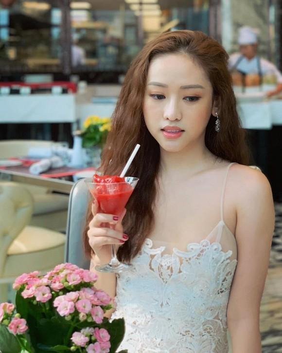 Thúy Vi đăng đàn nói về chuyện tình với Ông Cao Thắng, dân mạng vô tình soi ra điểm này-5