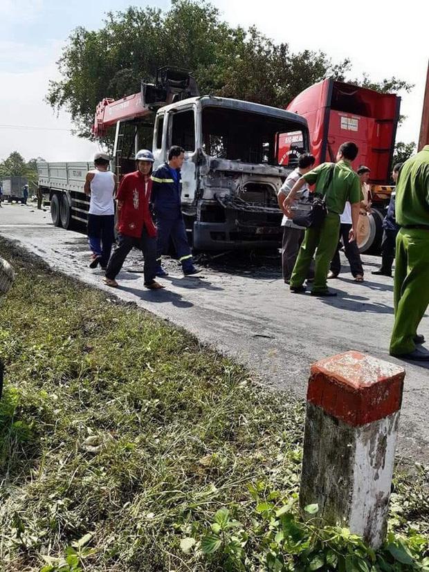 Người đàn ông chết cháy thương tâm sau va chạm kinh hoàng với xe tải-2