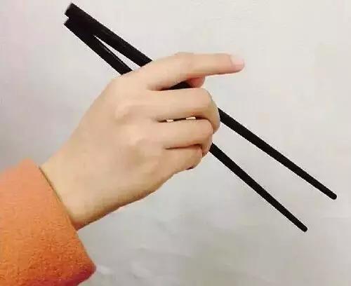 Người xưa có 8 đại kỵ khi dùng đũa, bạn có mắc phải?-3