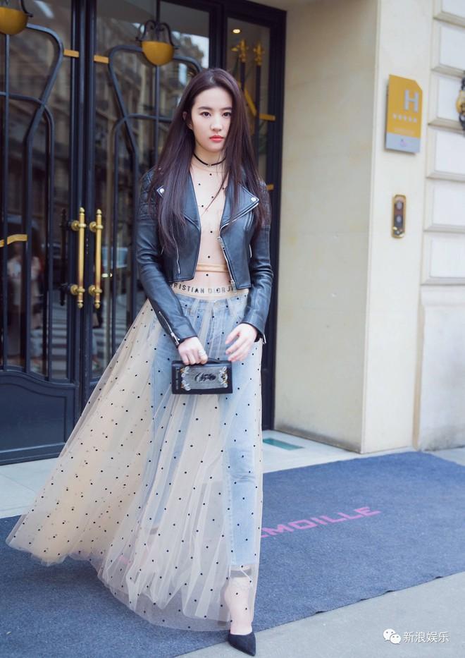 Mặc lời chê diễn xuất, Lưu Diệc Phi vẫn thu hút với gu ăn mặc đẹp-4