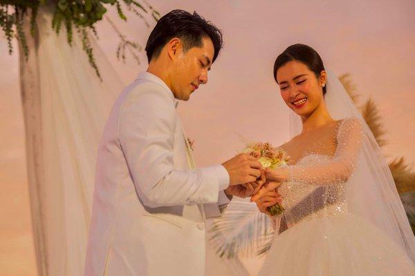 Tham dự đám cưới anh trai, em gái Ông Cao Thắng làm bộ nail đầy ý nghĩa-2
