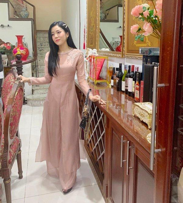 Tham dự đám cưới anh trai, em gái Ông Cao Thắng làm bộ nail đầy ý nghĩa-3