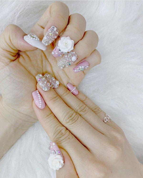 Tham dự đám cưới anh trai, em gái Ông Cao Thắng làm bộ nail đầy ý nghĩa-4