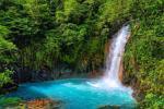 Dòng sông hai màu nước đẹp kỳ ảo