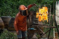 Nướng gà bằng ánh nắng ở Thái Lan