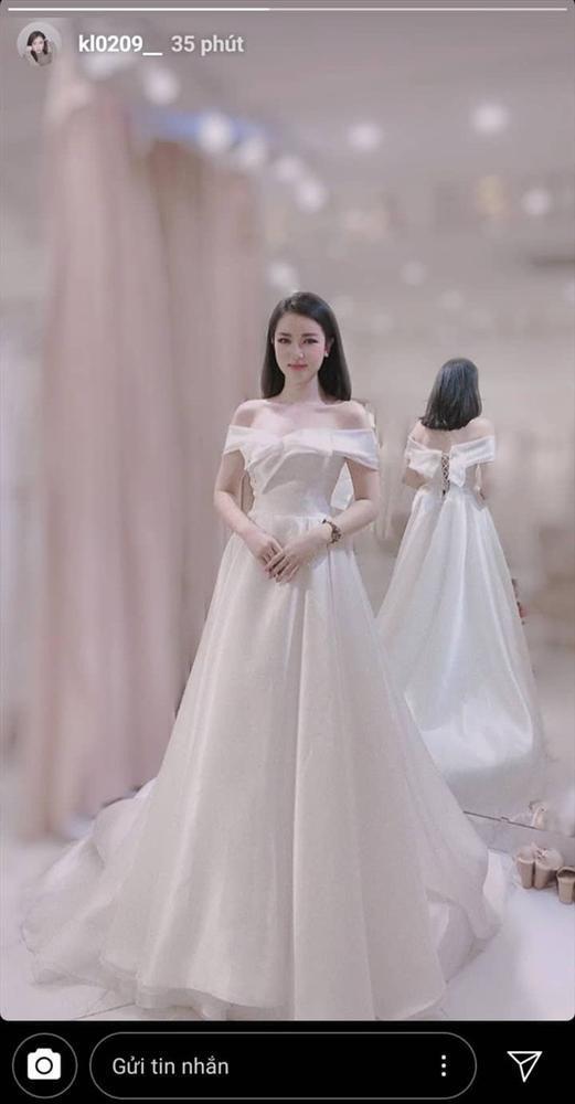 Thực hư việc MC xinh đẹp VTV mặc váy cưới chuẩn bị lên xe hoa cùng thủ môn Bùi Tiến Dũng-4