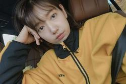 Park Shin Hye khoe vẻ ngoài xinh đẹp dù make-up hết sức 'sương sương'