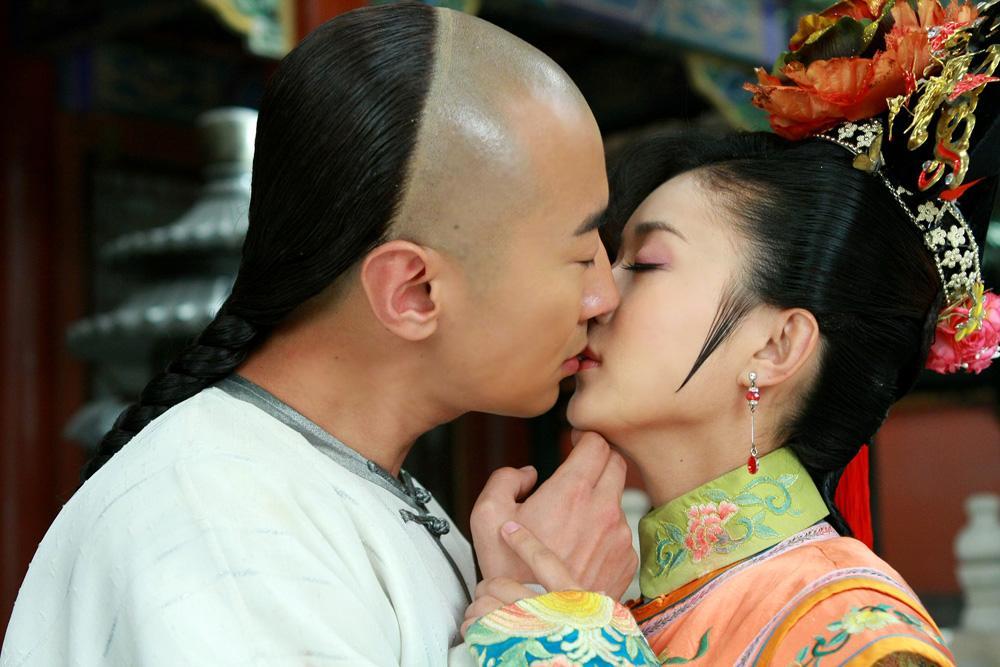 Triệu Lệ Dĩnh, Dương Tử và dàn mỹ nhân Hoa ngữ dành nụ hôn đầu trên màn ảnh cho ai?-5