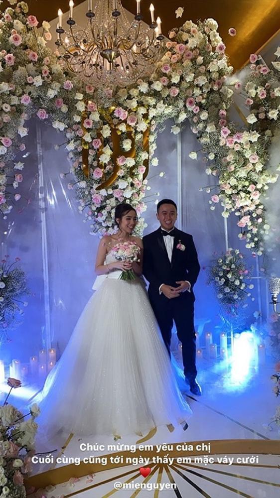 Ngay sau lễ cưới thế kỷ Đông Nhi - Ông Cao Thắng, dân mạng bất ngờ với hotgirl đình đám lấy chồng-6