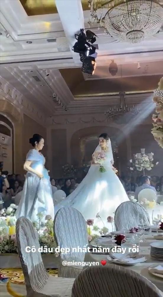 Ngay sau lễ cưới thế kỷ Đông Nhi - Ông Cao Thắng, dân mạng bất ngờ với hotgirl đình đám lấy chồng-7