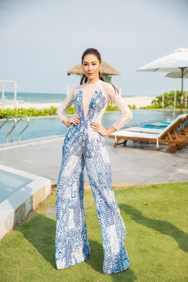 12 nàng hậu Việt sở hữu chiều cao ấn tượng: Mai Phương Thúy rất cao nhưng vẫn thua 2 người-6
