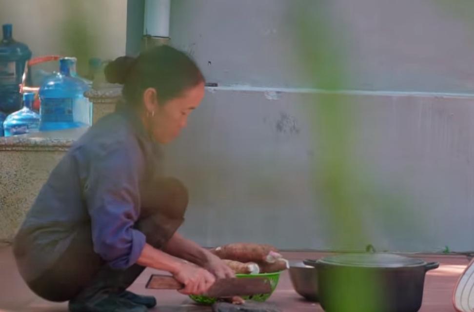 Tuyên bố thay đổi cách làm clip, bà Tân bị soi sao chép ý tưởng của kênh ẩm thực nổi tiếng khác-6