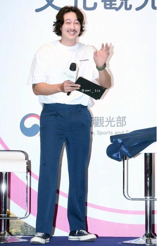 Nam thần Giày thủy tinh So Ji Sub khiến khán giả giật mình với hình ảnh tăng cân, xuống sắc không ngờ-2