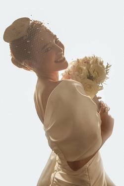 Lan Ngọc mặc áo cưới, tuyên bố muốn lấy chồng